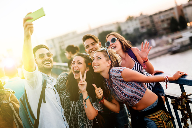 Travelling in a large group? Tips to make it totally awesome